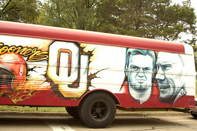 SOONERS have tailgate partys down to an art