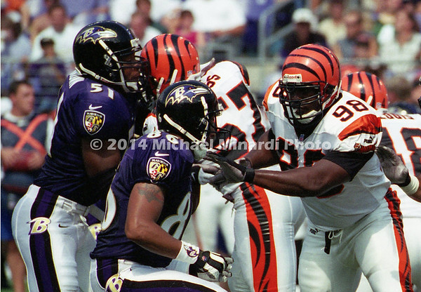 159076184MM333_OLB_Canute_Curtis_no98Bengals;_WR_Billy_Davis_no86Ravens;_LB_Cornell_Brown_no89Ravens