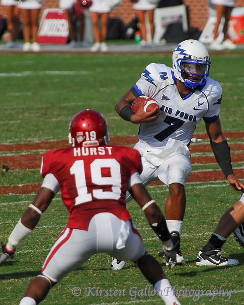 This time, quarterback Tim Jefferson, Jr. gets the ball.