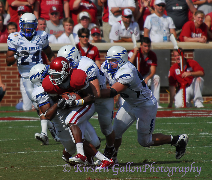 Broyles tries to roll off the defense and keep moving.