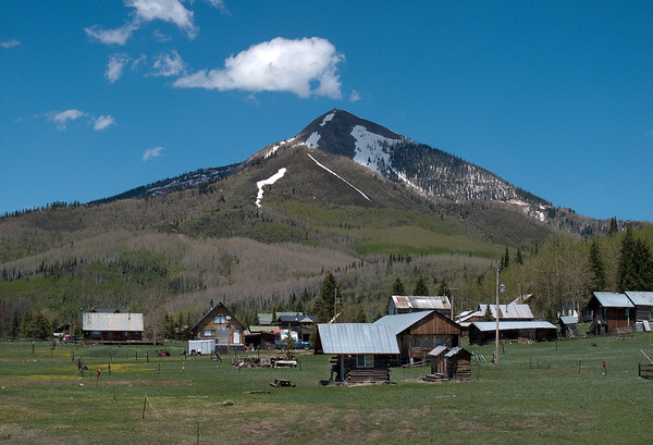 Hahns Peak Village