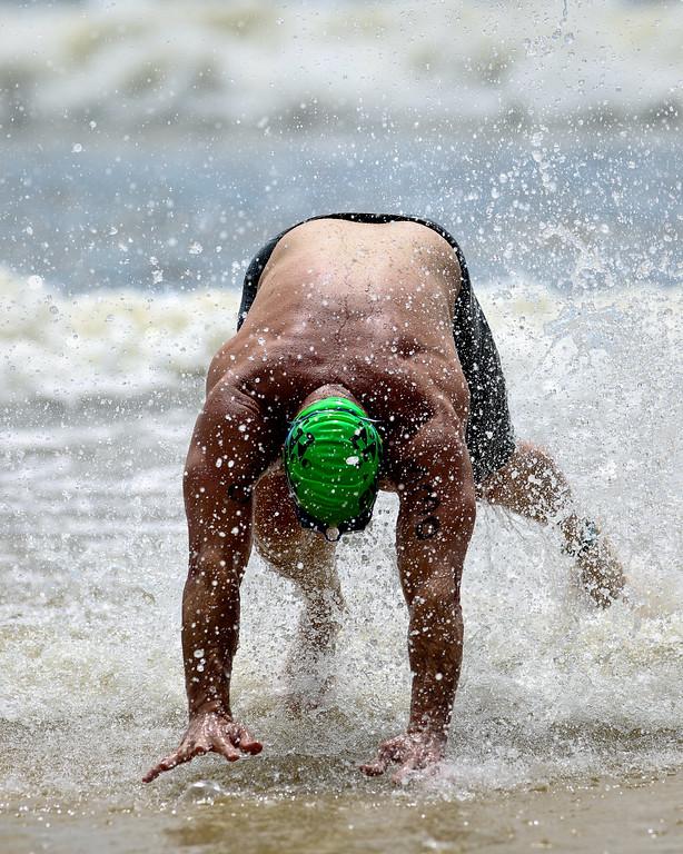 """2012 Mooloolaba Ocean Swim; Mooloolaba, Sunshine Coast, Queensland, Australia; 24 March 2012. Photos by Des Thureson - <a href=""""http://disci.smugmug.com"""">http://disci.smugmug.com</a>."""