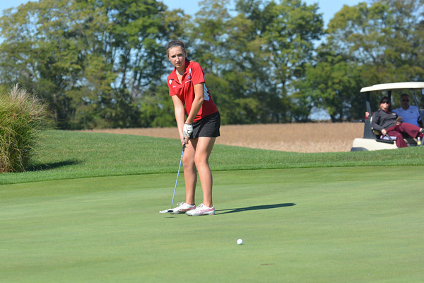 St. Anthony's Mariah Bushue tracks her putt toward the hole on the 18th green at Meadowview Country Club in Mattoon during the Class 1A Cumberland Regional.