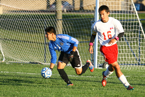 10-7-13  --- Sectional Boys Soccer - WHS vs KHS<br />   KT photo   Tim Bath