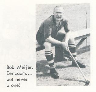 Onduidelijk Onderschrift: zie foto Opmerking: Bob Meijer wanneer?   De Telescoop lustrumuitgavw 1973 p. 27 Fotograaf: onbekend Formaat: 6 x 4 Afdruk zw