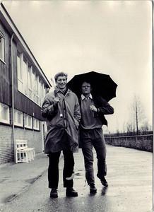 Ed van Orden haakt Huib Michielsen pootje   CollectieEdvanOrden Fotograaf: onbekend Formaat: 10.5 x 14 Afdruk zw
