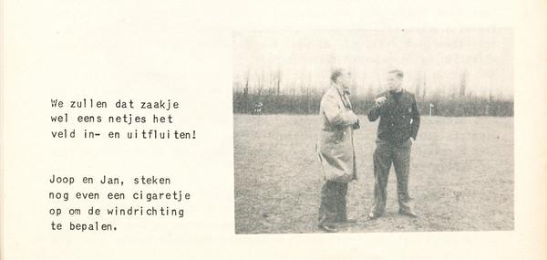 Onderschrift: zie foto Opmerking: onbekend wanneer. Joop = Joop Wagener, Jan Jan Broekhuis. Wel in Deventer.  Clubnieuws 15 (1953-1954) 2 november, p. 26