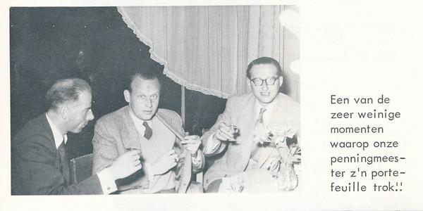 19631108 Onderschrift: zie foto Opmerking: zie commentaar bij foto Jan Broekhuis aan diner.   De Telescoop lustrumuitgave 1973, p. 23  Fotograaf: onbekend Formaat: 9 x 6 Afdruk zw
