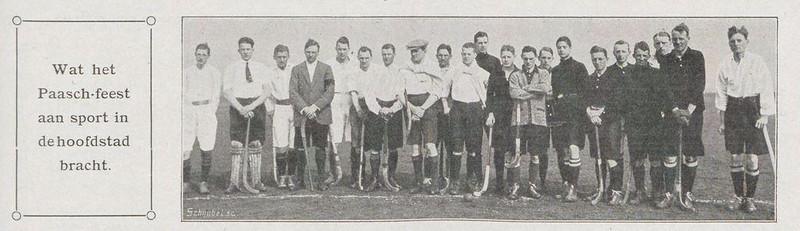 19150402 Uitsnede Revue der Sporten jrg. 8 1915 nr. 30 7 april 1915  Frits Drijver helemaal rechts in oostelijk elftal op 2 april 1915 (Goede Vrijdag) in Amsterdam. Tegen West. 3-3. Hij voegt zich bij West.