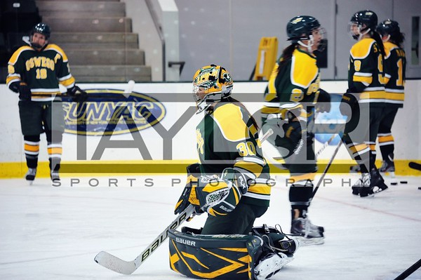 Lakers Womens hockey vs SNC
