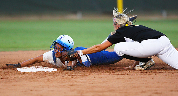 June 04, 2009 -The Needville Blue Jays defeated Gatesville 2-1 Thursday night in the Class 3A state softball semifinals at McCombs field in Austin.