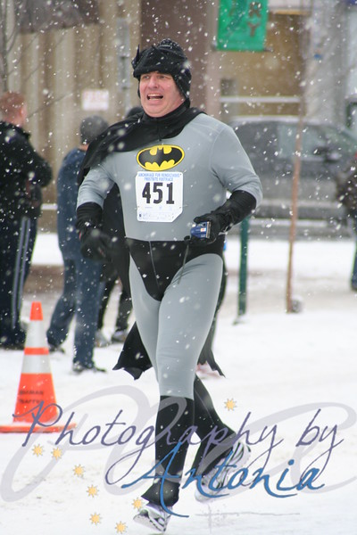 Frostbite Footrace - Fur Rondy 2009