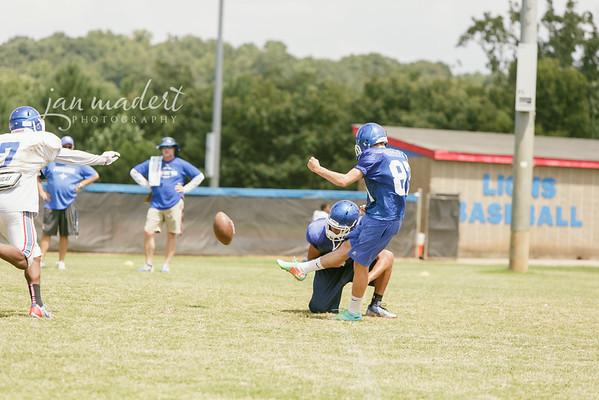 JMad_PRHS_Football_Practice_0812_14_002
