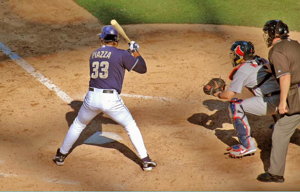 Mike Piazza at bat.