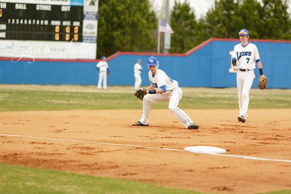 JMadert_PRHS_Baseball_Varsity_0303_2014_008