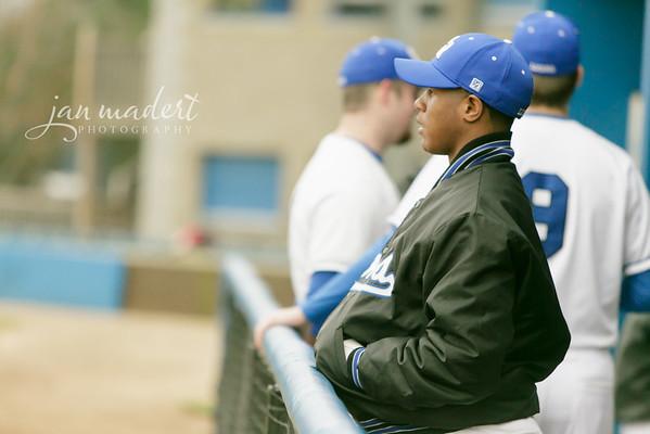 JMadert_PRHS_Baseball_Varsity_0303_2014_001
