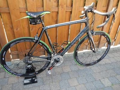 My 2014 Cannondale Synapse Carbon 3 Ultegra with Pegatin name stickers.