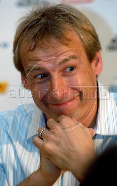 Juergen Klinsmann, head coach of the German national football team makes a gest during a news conference at the II Internacional Football Forum in Rio de Janeiro, Brazil, Nov. 30, 2005.    (Austral Foto/Renzo Gostoli)