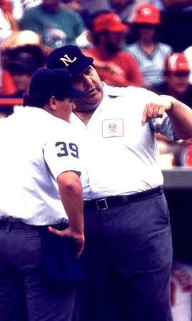 Umpires argue img113