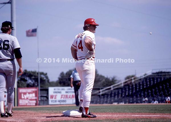 Pete Rose at 3rd base img122