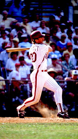 Mike Schmidt gets a hit img137