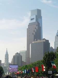 Ben Franklin Parkway, Comcast Center