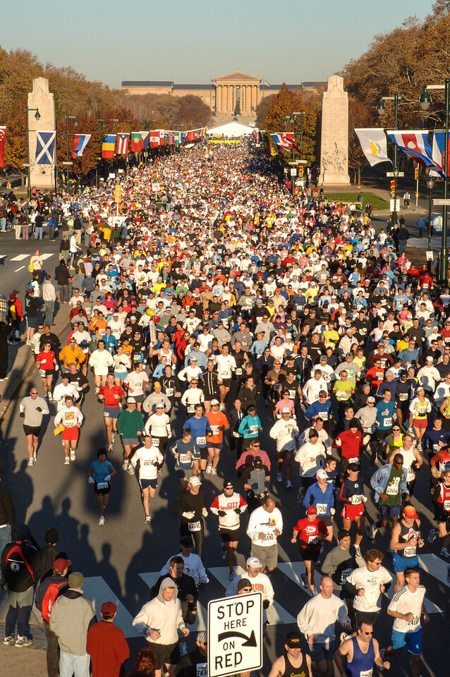 Start of the Philadelphia Marathon - November 2005
