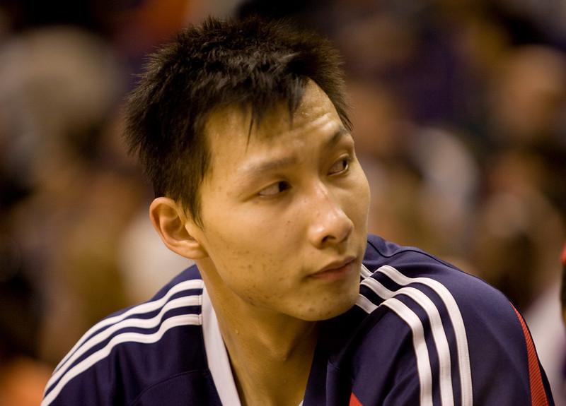 Yi Jianlian for China Foto Press