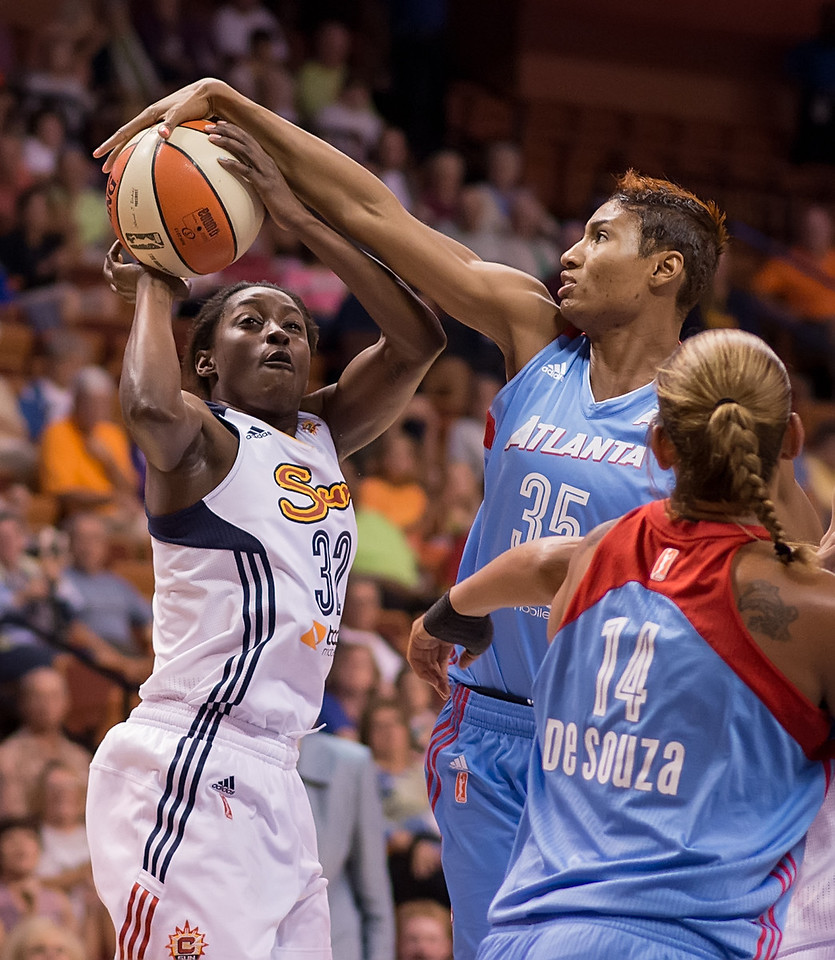 Atlanta Dream vs Connecticut Sun