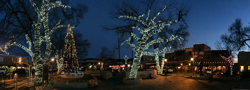 16 Dec 2014: Christmas lights in Taos