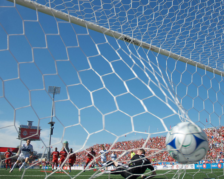 Martin Nash (7) of the Vancouver White Caps scores on a penalty kick at BMO Field on July 1, 2008. <br /> Vancouver won 1-0.