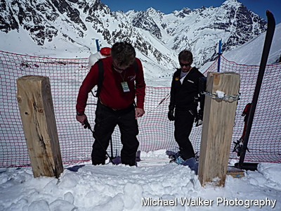 Gary Allen (Alpine Canada) and Randy Rogers TD build the start ramp