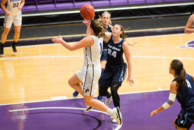 Kate Andersen drives to the hoop against San Diego.