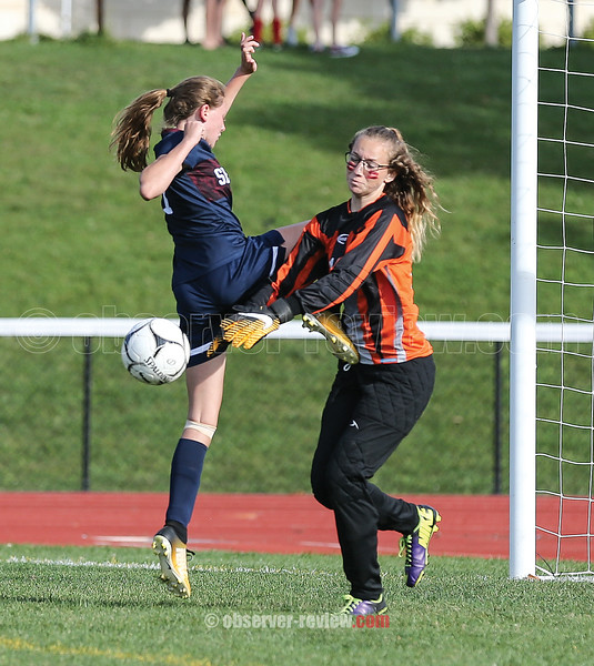 Hannah Morse challenges the Dundee goal keeper Friday, Sept. 22.
