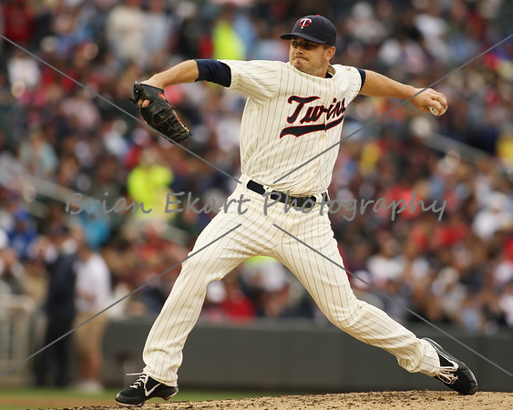 Minnesota Twins pitcher Brian Duensing (52) pitching during the game on May 26, 2012:  at the Minnesota Twins game versus the Detroit Tigers at Target Field in Minneapolis, MN.