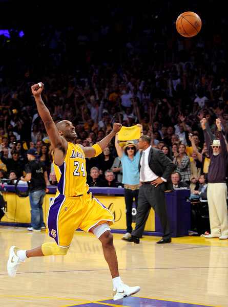 bb1cfa9ad87 Los Angeles Lakers guard Kobe Bryant react as the ball bounces away for the  final second