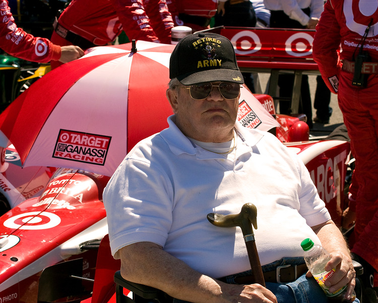 Papa on starting grid in front of Target Chip Ganassi Car of Scott Dixon