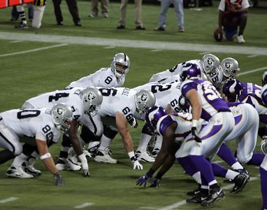 Minnesota Vikings vs Oakland Raiders (Nov 18, 2007)