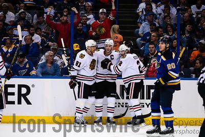 NHL: APR 21 Round 1 - Game 5 - Blackhawks at Blues