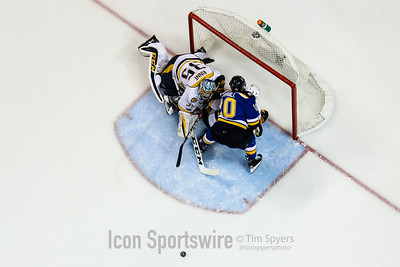 NHL: APR 28 2nd Round Game 2 - Predators at Blues