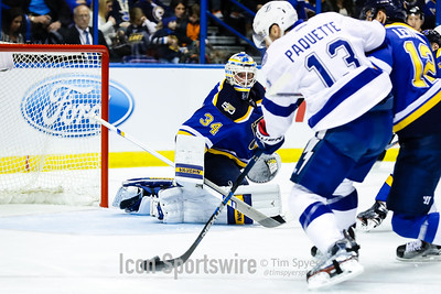 NHL: DEC 01 Lightning at Blues