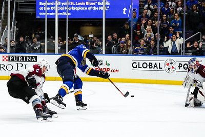 NHL: DEC 14 Avalanche at Blues