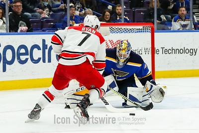 NHL: DEC 30 Hurricanes at Blues