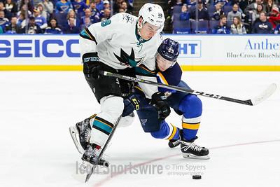 NHL: FEB 20 Sharks at Blues