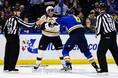 NHL: JAN 10 Bruins at Blues