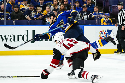 NHL: MAR 12 Coyotes at Blues