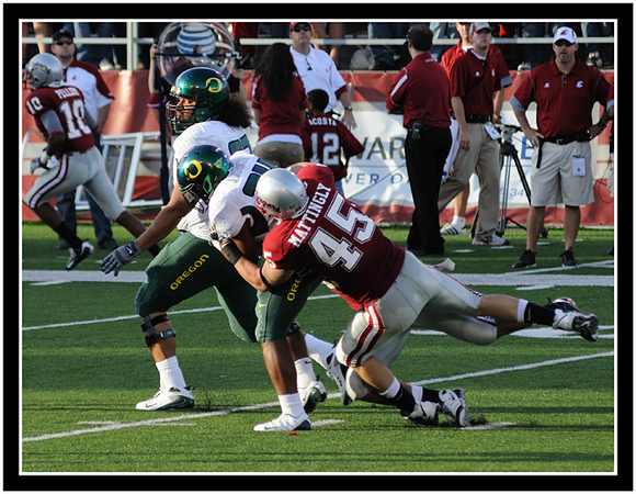 Cougar Andy Mattingly stops the Ducks for no gain