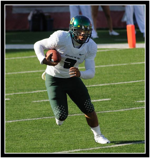 Oregon's Chris Harper in the open field