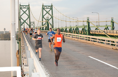 Quad Cities Marathon - Photo by Dave Scharer