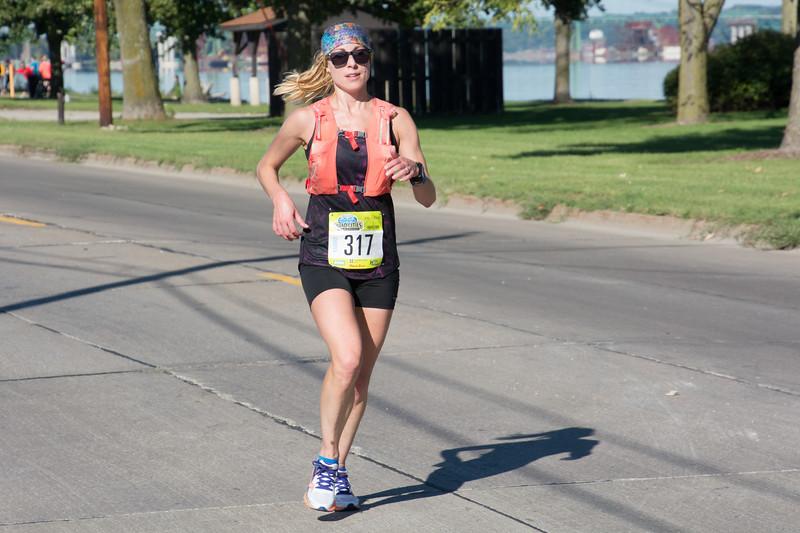 Quad Cities Marathon. Photo by Darrell Terronez